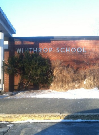 A photo of the name-plate at the current Winthrop Elementary school.