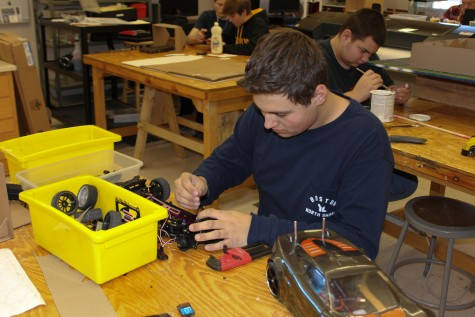 Aaron DiNapoli works on Black Diamond's car during Mr. Gallant's Engineering Projects Class.